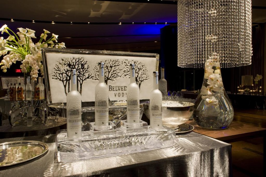 Belvedere Ice Sulpture 1 1024x682 - Bar & Cocktails